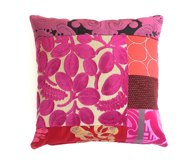 Beatrice Luxury Patchwork Cushion:  Living room by Suzy Newton Ltd.
