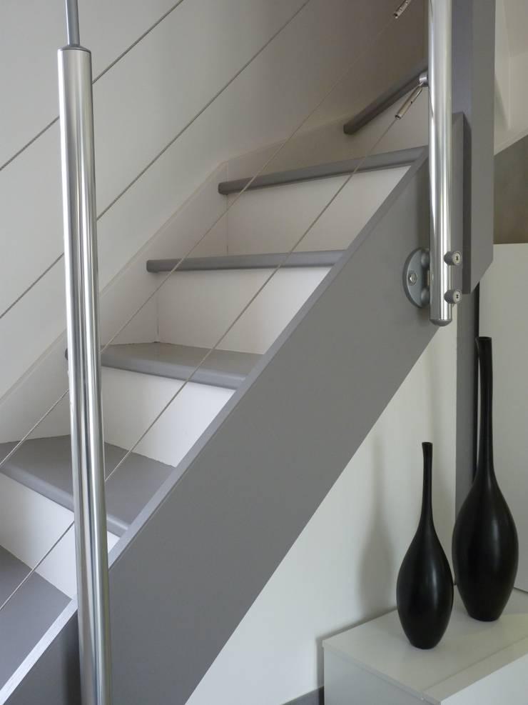Corridor and hallway by Audrey Ardalan, Modern