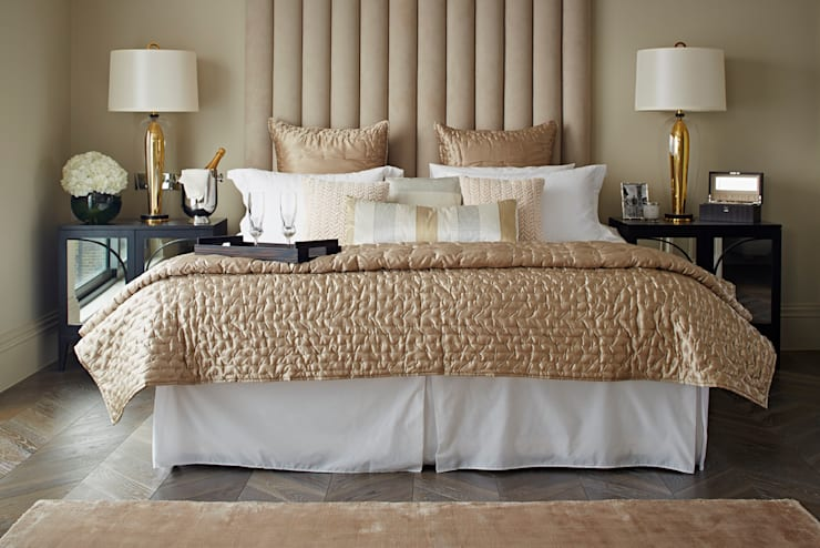 The Townhouse Collection: classic Bedroom by LuxDeco