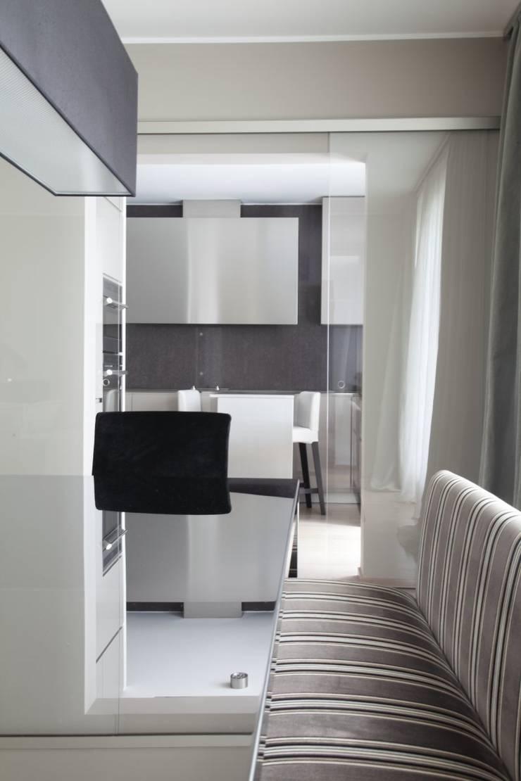 Comedores de estilo moderno de STUDIO PAOLA FAVRETTO SAGL - INTERIOR DESIGNER Moderno Concreto