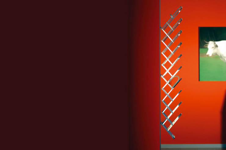 Collator : modern  von Radius Design,Modern
