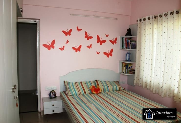 Sandeep Soni -Brigade Metropolise:  Bedroom by Interiors by ranjani