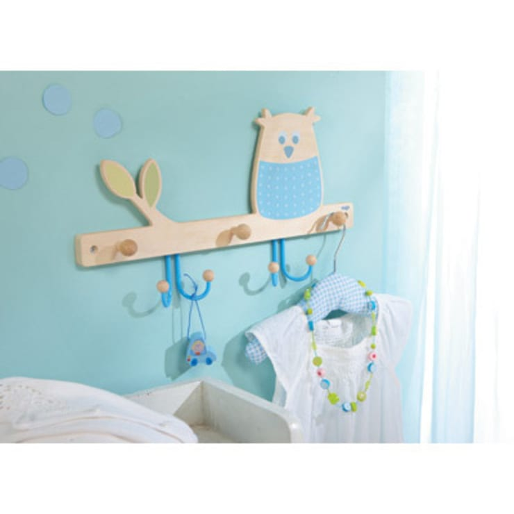 Portemanteau Hibou des bois Haba: Chambre d'enfants de style  par decoBB