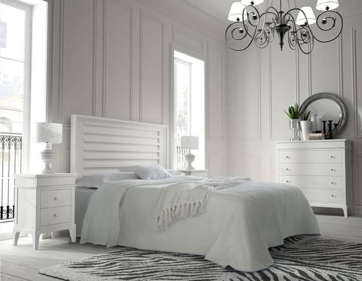 Camera da letto in stile  di Paco Escrivá Muebles
