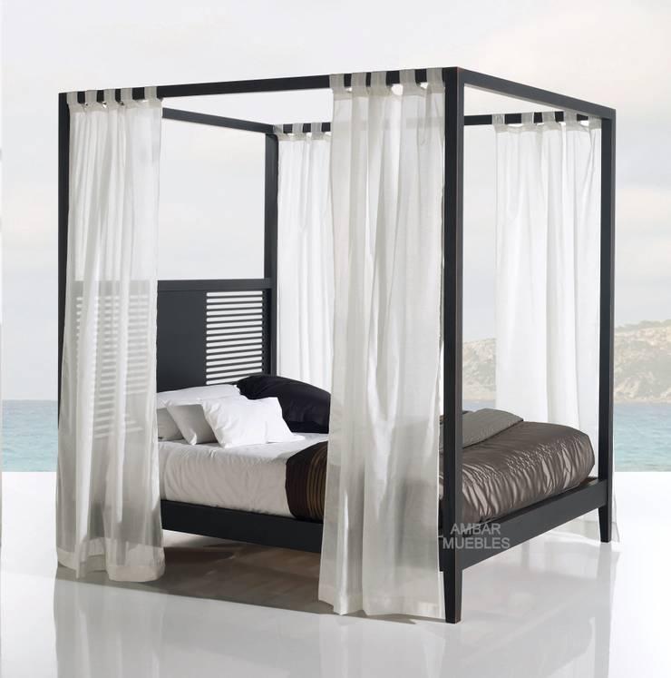 Dormitorio Moderno Aranda Cama Dosel: Dormitorios de estilo  de Paco Escrivá Muebles