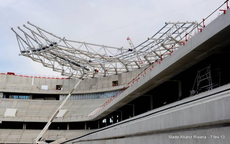 La charpente en construction: Stades de style  par Wilmotte & Associés