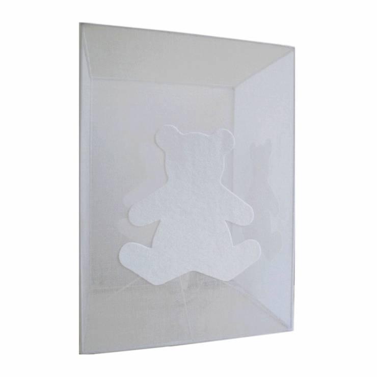 Lampe cube à poser chambre bébé ours blanc (organdi): Chambre d'enfants de style  par Berceau magique