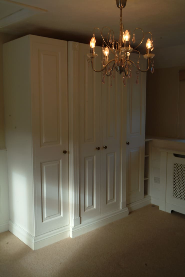 ANGEL cOTTAGE:  Walls & flooring by The UK's Leading Wall Panelling Experts Team