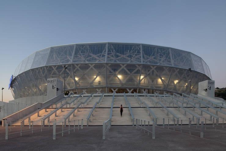 Entrée du stade: Stades de style  par Wilmotte & Associés