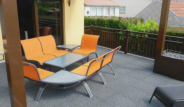 Terrassenboden mit Stil:  Terrasse von WARCO Bodenbeläge