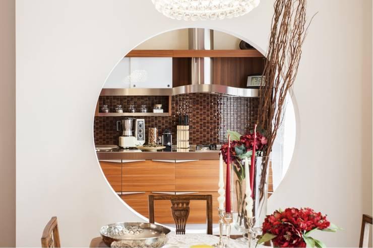 RISTRUTTURAZIONE DI UN APPARTAMENTO: Cucina in stile  di STUDIO DOTT. ARCH. GIANLUCA PIGNATARO