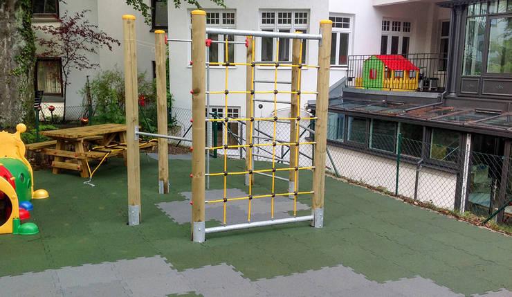 pflegeleichter Spielplatz:  Garten von WARCO Bodenbeläge