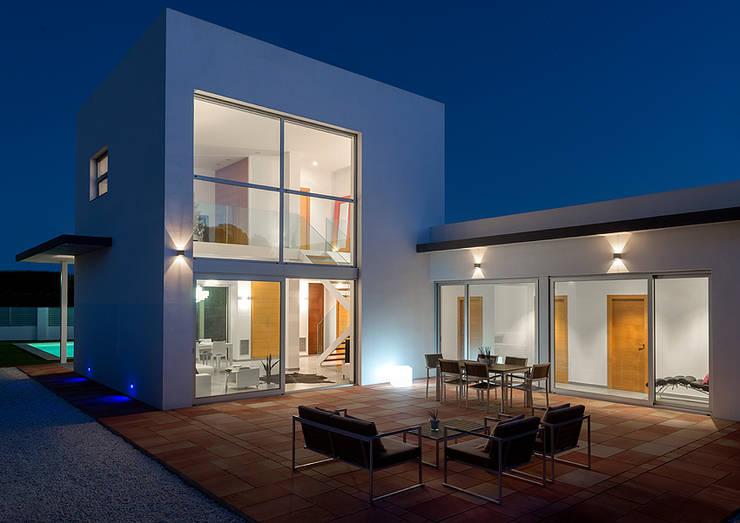 Casa Gil:  de estilo  de Hadit Arquitectos