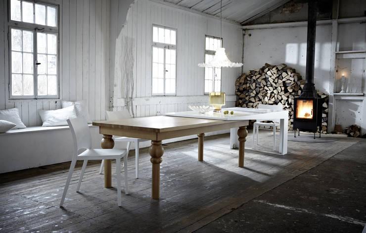 Projekty,  Jadalnia zaprojektowane przez Kißkalt Designs
