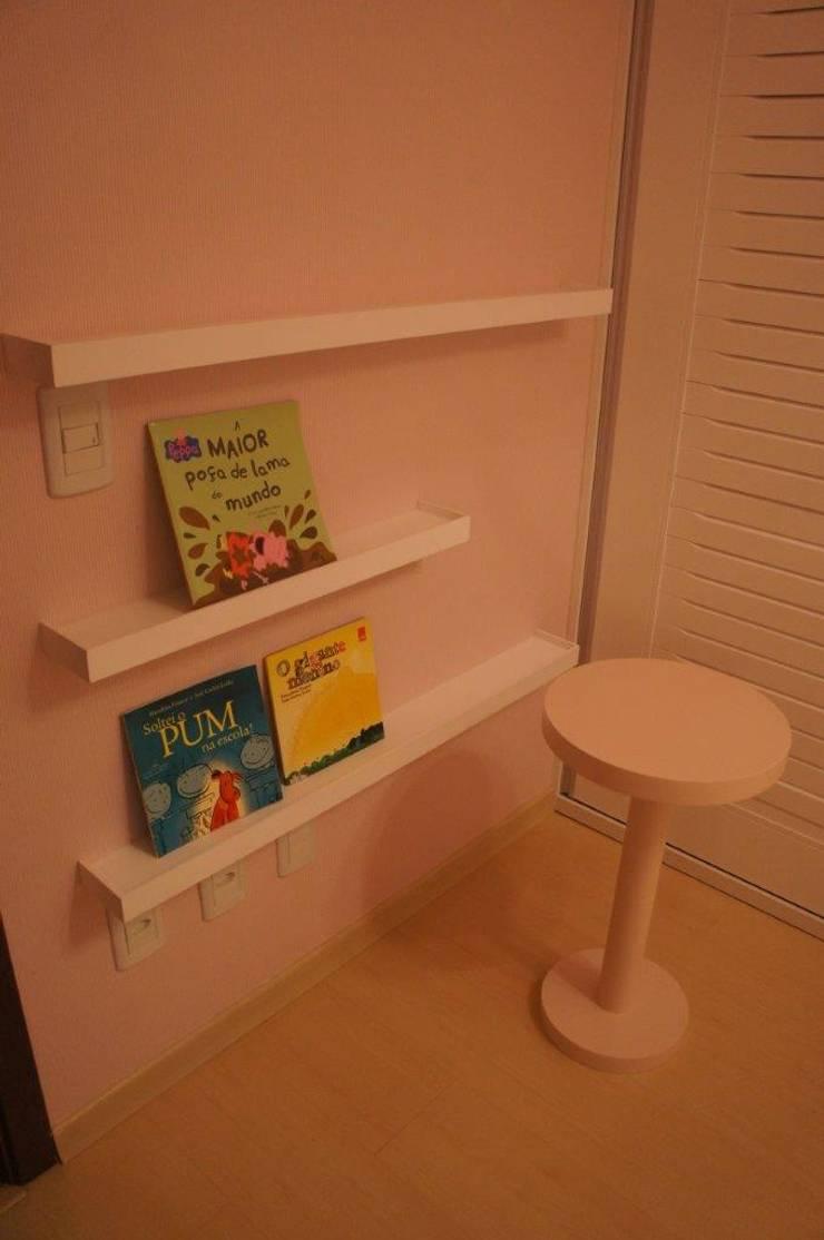 Mini Biblioteca acessível : Quarto infantil  por Triple Arquitetura