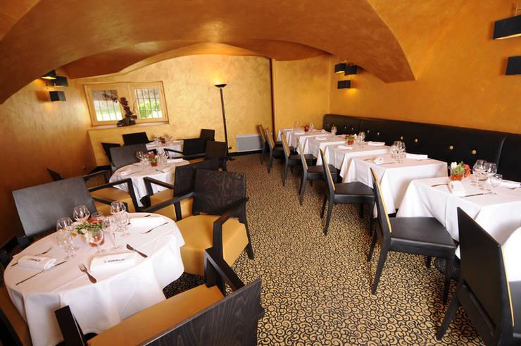 Brasserie l'Espace:  de style  par Agence Philippe BATIFOULIER Design