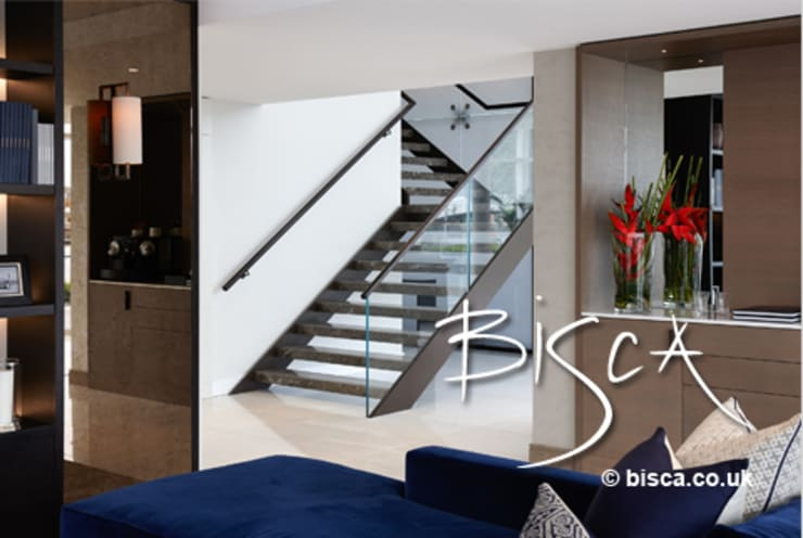 Premium Apartment Staircase:  Corridor, hallway & stairs by Bisca Staircases