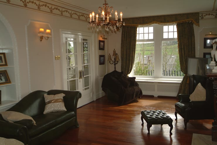 Hazel Mount House:  Walls & flooring by The UK's Leading Wall Panelling Experts Team