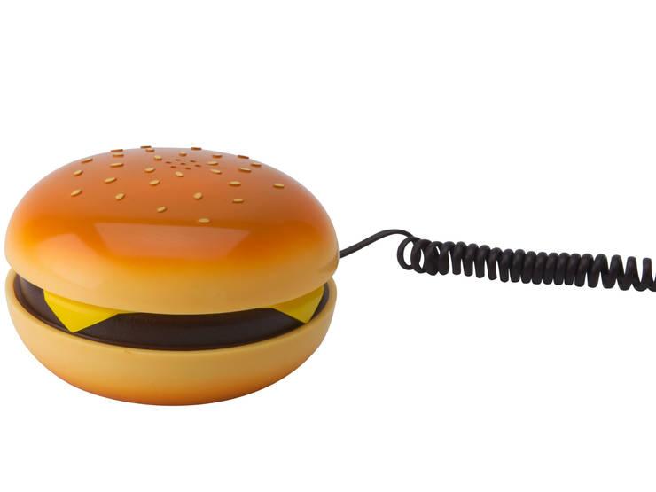 Téléphone Hamburger: Salle à manger de style de style eclectique par Minimall