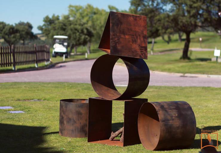 Woodstock steel corten: Jardín de estilo  de CLASS MANUFACTURING SA