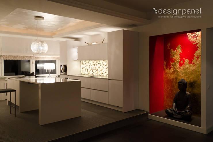 Küchenrückwand mit Wow-Effekt:  Küche von Designpanel - Elements for innovative architecture,