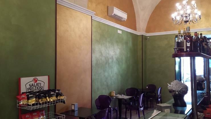 BAR TARANTO / LOUNGE BAR : Negozi & Locali Commerciali in stile  di FRANCKSONN HOME srls