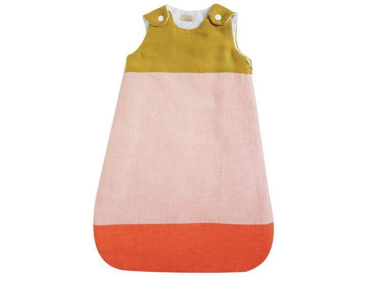 gigoteuse lin tricolore: Chambre d'enfants de style  par lab.