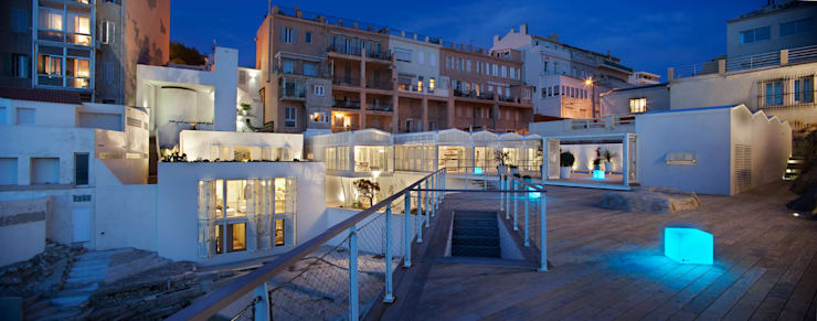Les Bains de Mer Chauds:  de style  par PietriArchitectes
