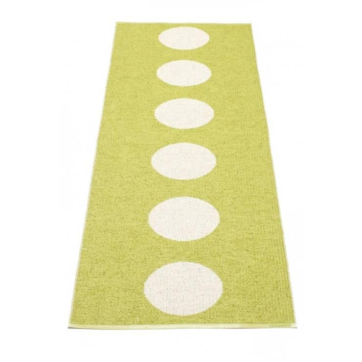 Teppichläufer Vera, Inn -und Outdoor:  Wände & Boden von Anchovisdesign