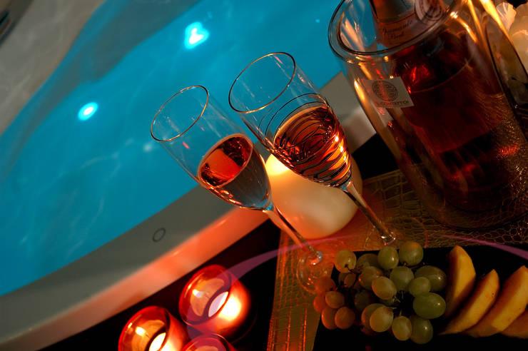 Vasca idromassaggio, dettaglio: Spa in stile  di ITALIAN WELLNESS - The Art of Wellness, Moderno