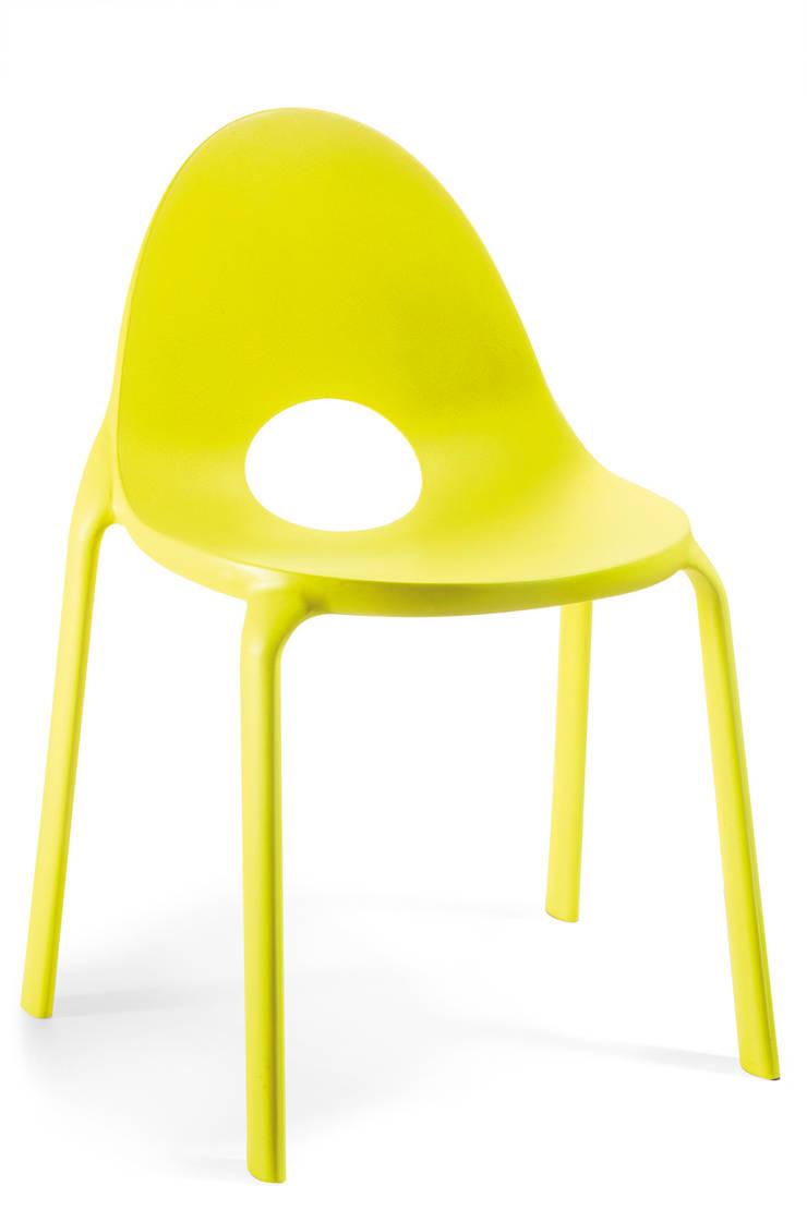 Drop Chair:  in stile  di infiniti design, Moderno