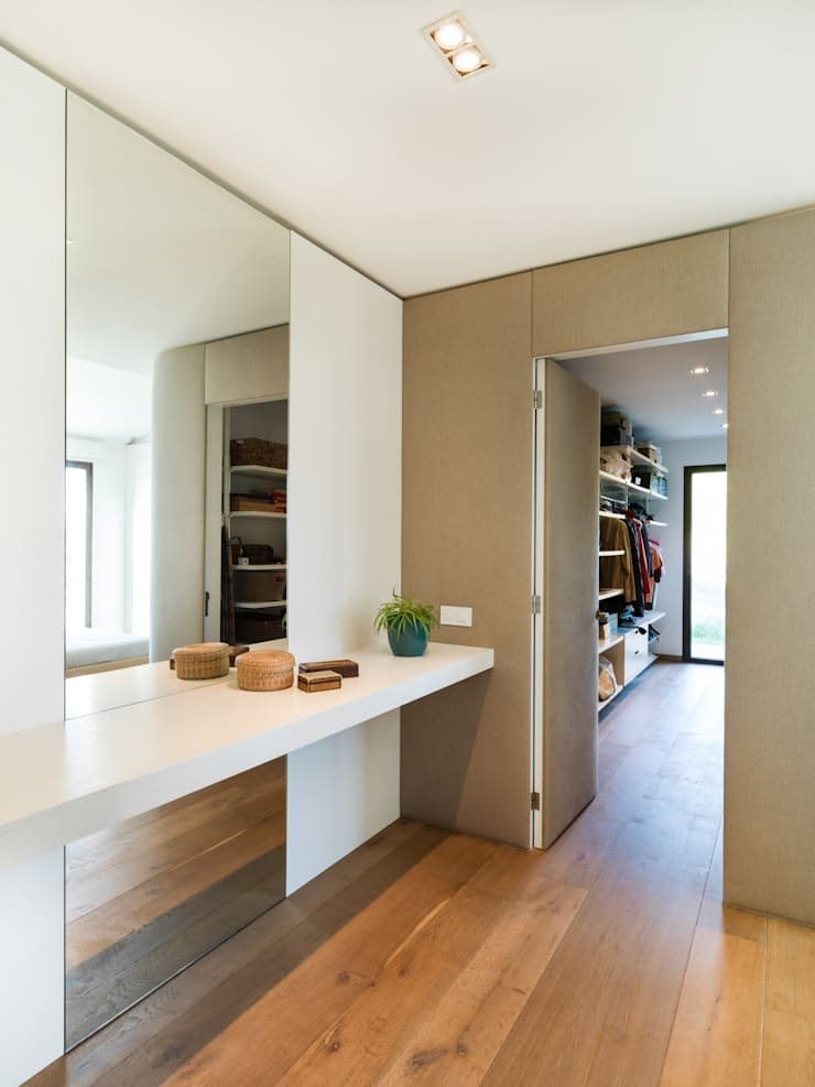 Dressing room by margarotger interiorisme