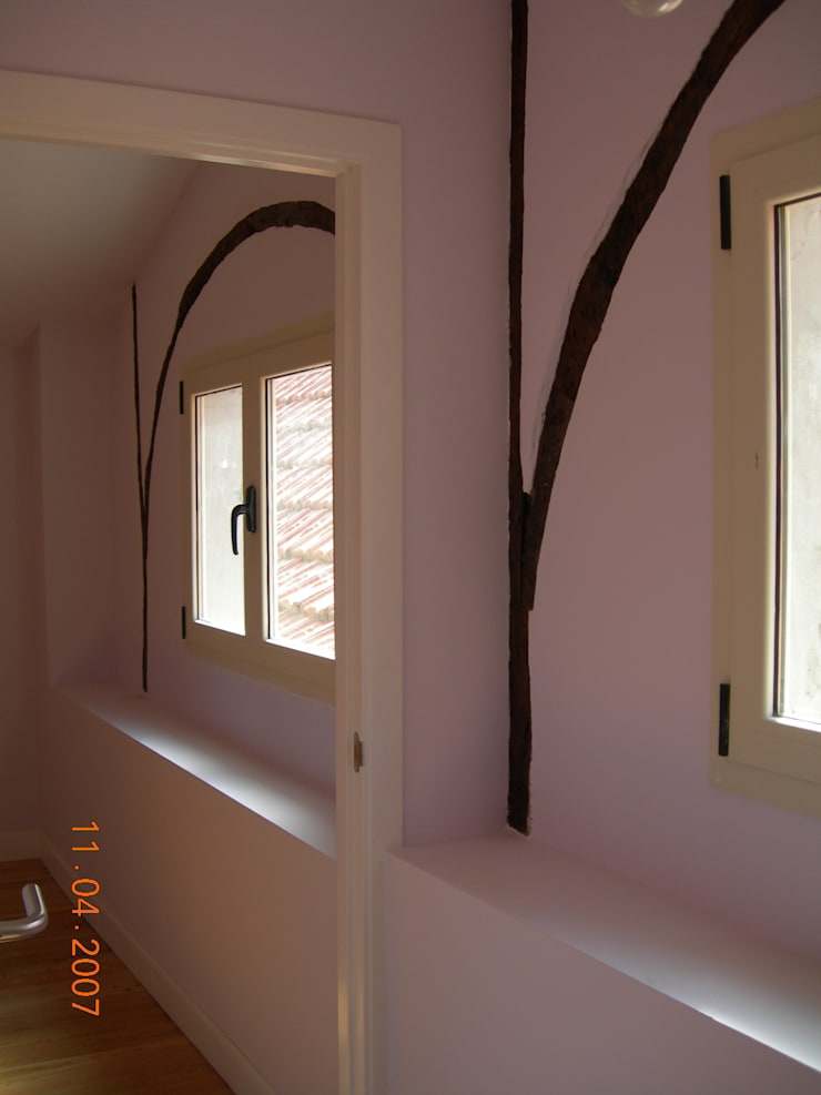 M1 APARTMENT:  de estilo  de BDGEBARA ARCHITECTURE
