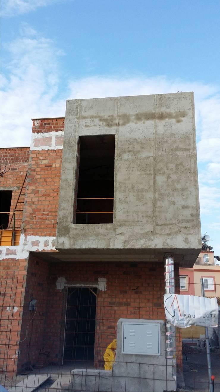 casa pliego:  de estilo  de GA arquitectos