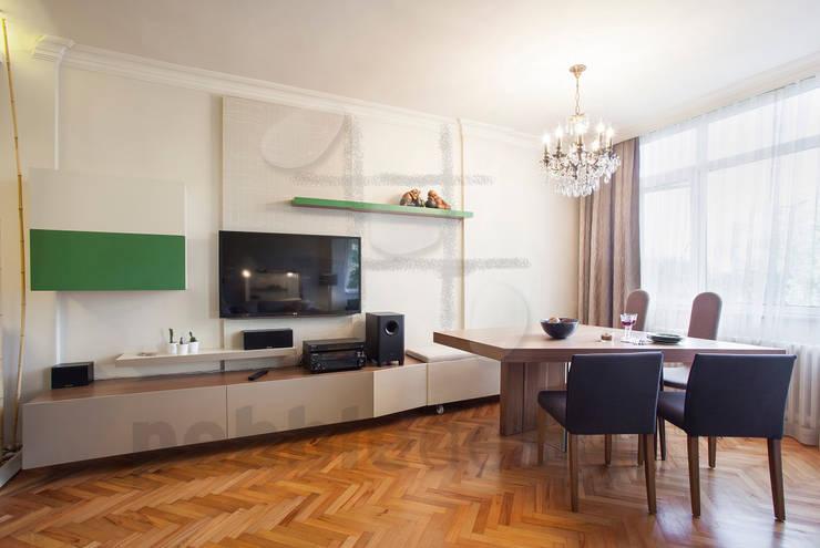 Living room by Pebbledesign / Çakıltașları Mimarlık Tasarım