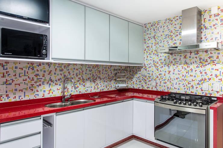 Cozinha: Cozinhas  por Milla Holtz Arquitetura