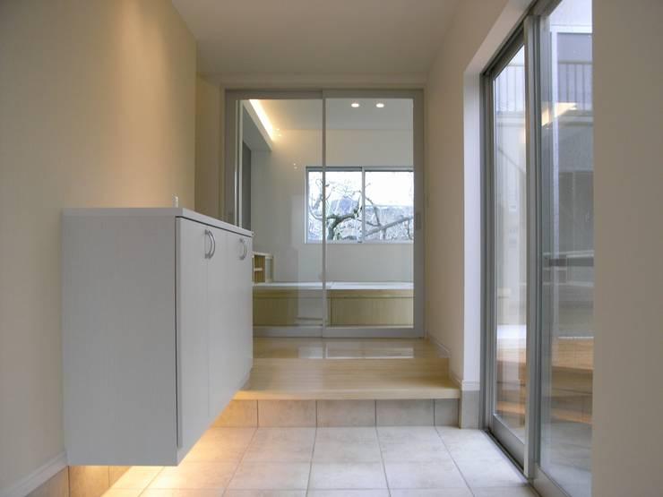 土 間: 松井設計が手掛けた廊下 & 玄関です。