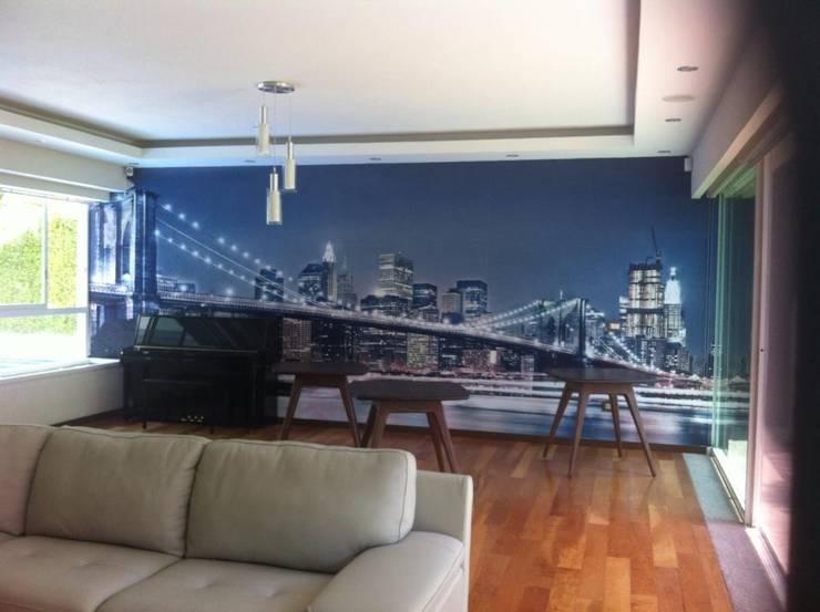 SALA DE JUEGOS : Salas multimedia de estilo  por GHT EcoArquitectos
