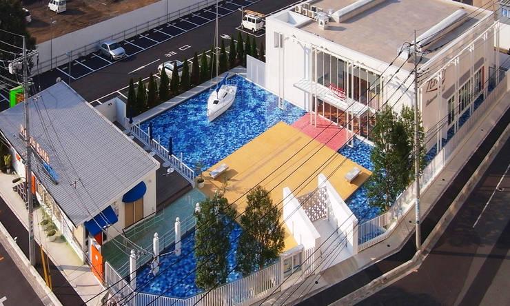 海に浮かぶレストラン: ユミラ建築設計室が手掛けた家です。
