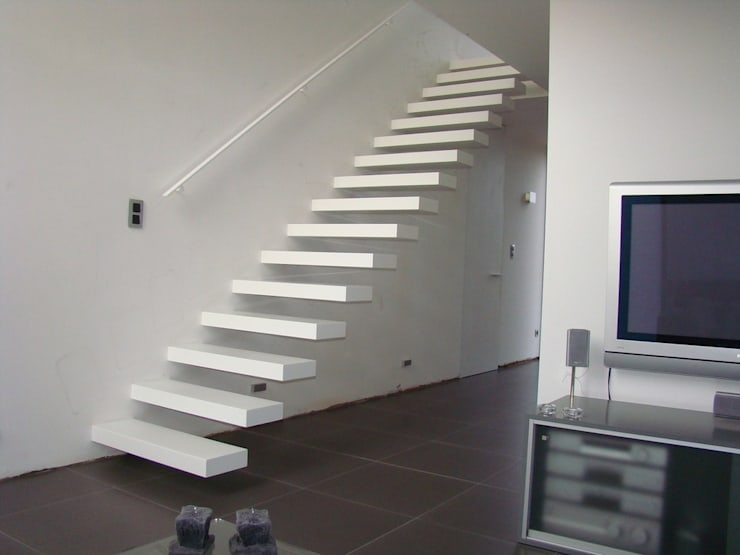 Escalier marche en porte à faux: Couloir, entrée, escaliers de style de style Moderne par Passion Escaliers