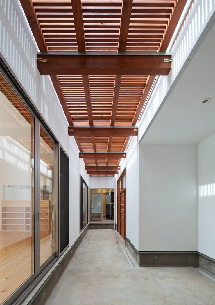 中庭: 株式会社 mA建築計画工房が手掛けた庭です。,オリジナル