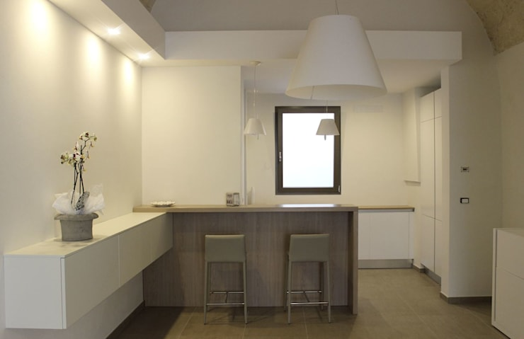 CASA VT: Casa in stile  di Daniele Spirito Architetto