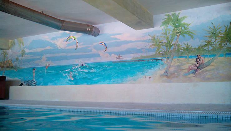 "Finca ""El Hamam"": Hogar de estilo  de mural x 3"