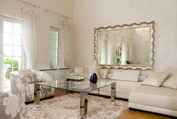 Ruang Keluarga by ARKITEX INTERIORS