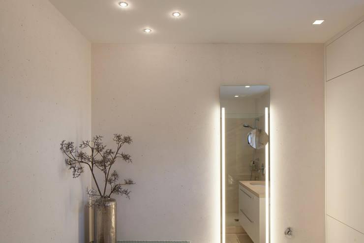 classic Bathroom by Einwandfrei - innovative Malerarbeiten oHG