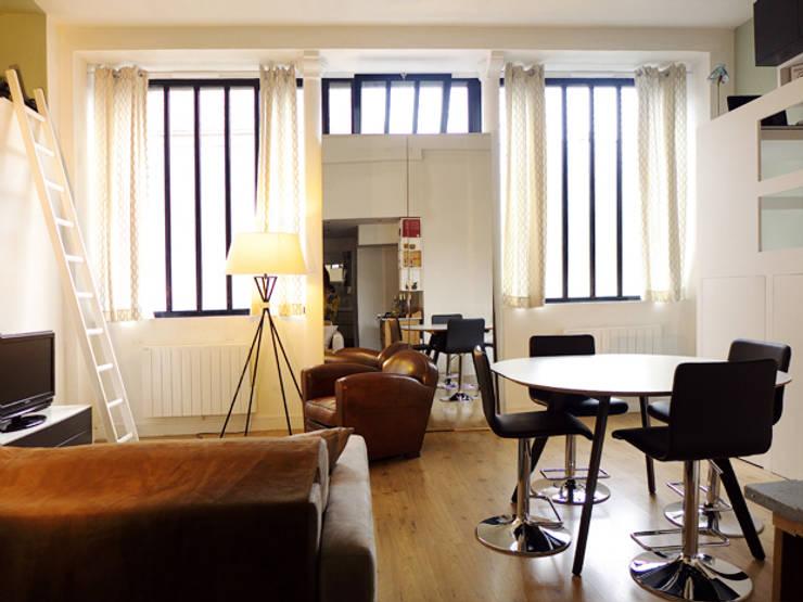Living room by EC Architecture Intérieure