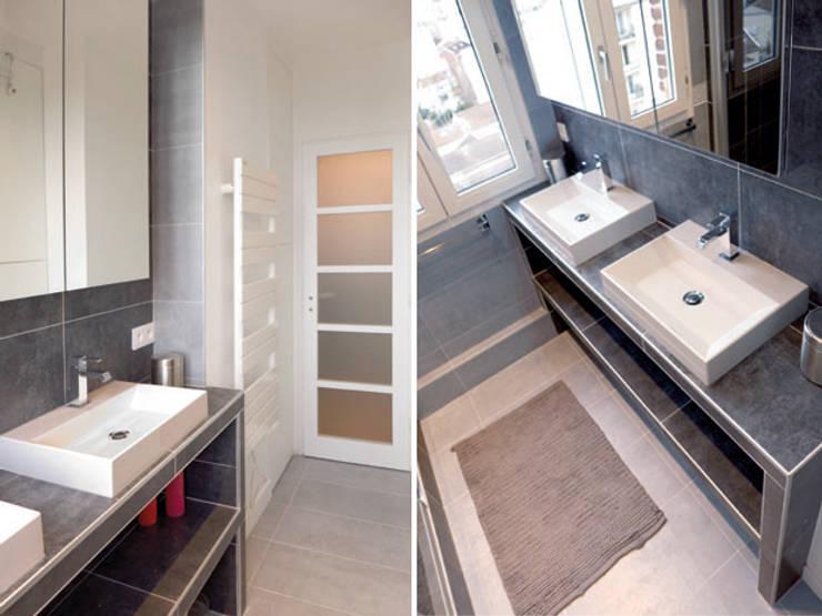 VUE SUR LA TOUR EIFFEL: Salle de bains de style  par EC Architecture Intérieure