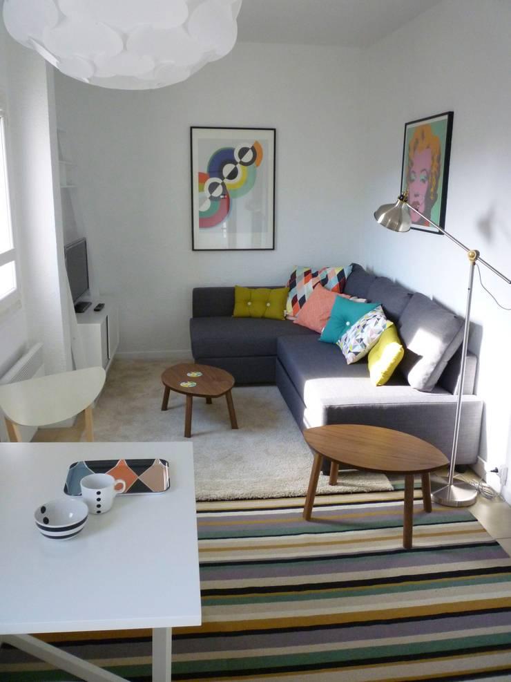 Décoration appartement meublé : Salon de style de style Moderne par Emmanuelle Diebold