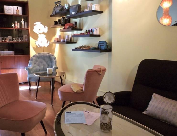 Décoration salon de thé: Espaces commerciaux de style  par Emmanuelle Diebold