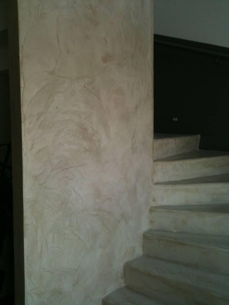Hall d'entrée: Couloir et hall d'entrée de style  par Architecte d'interieur en Gironde Concept Deco Bordeaux